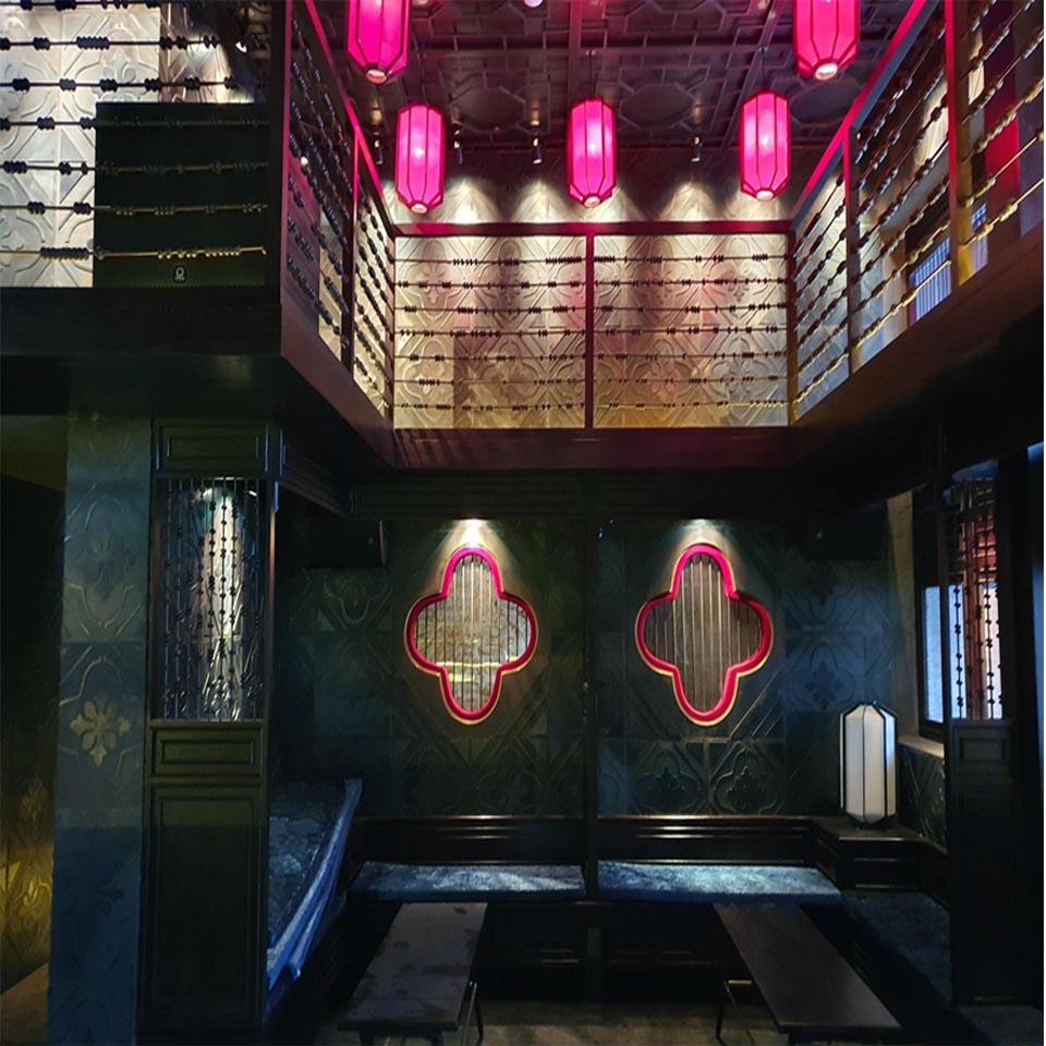 Bar Tây Q1